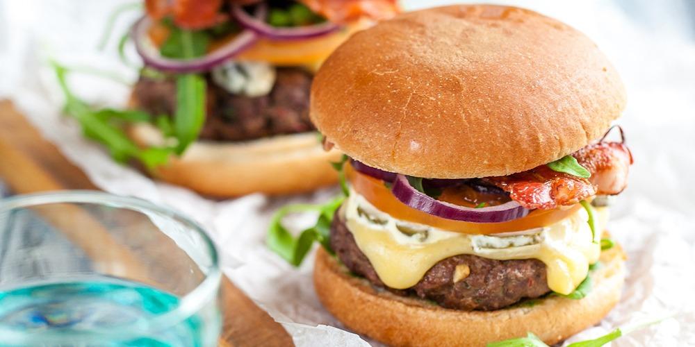 Coupland's Cheeseburger